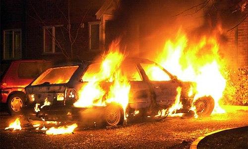 автомобіль, підпал